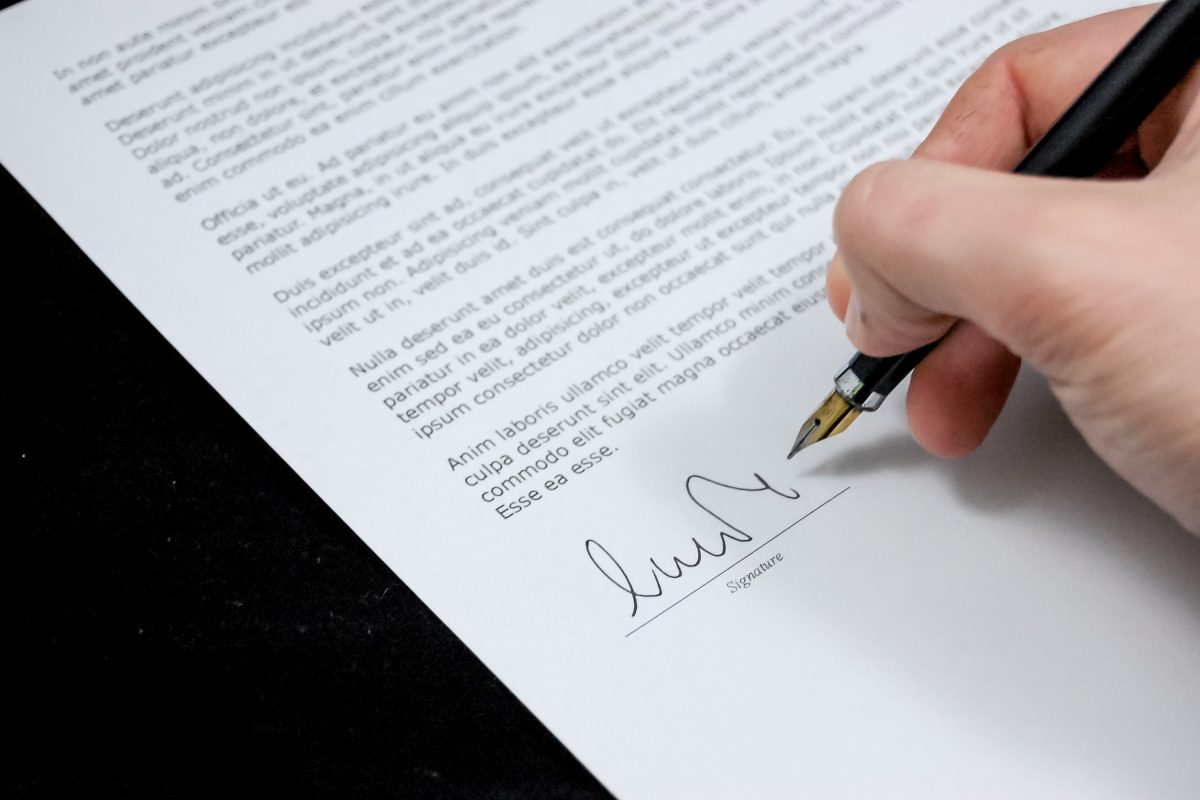 agreement-business-businessman-48195 (1)